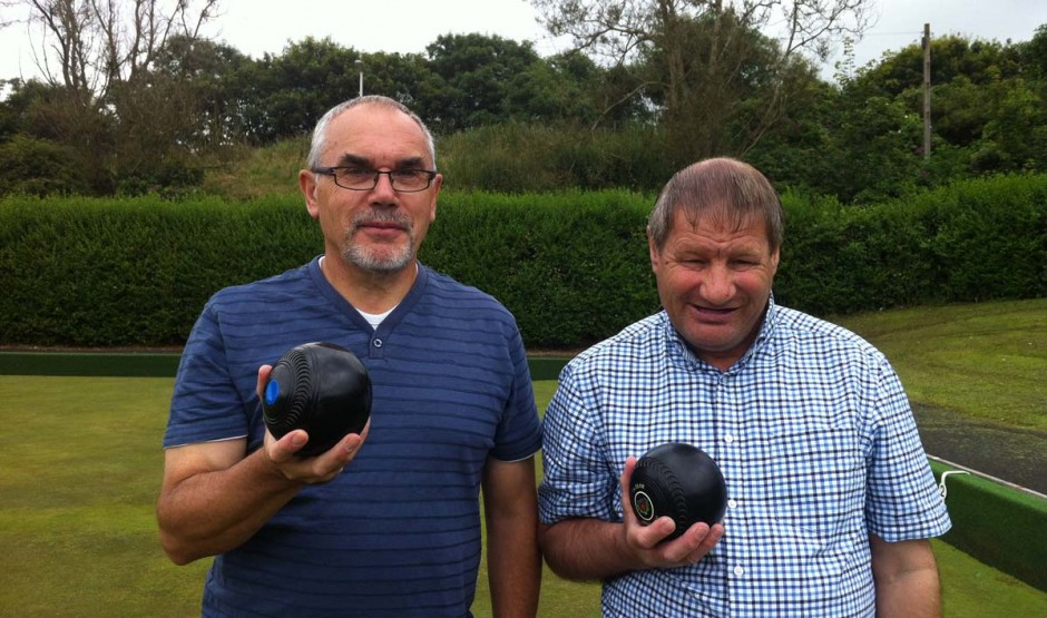 Jim and Fraser playing bowls.